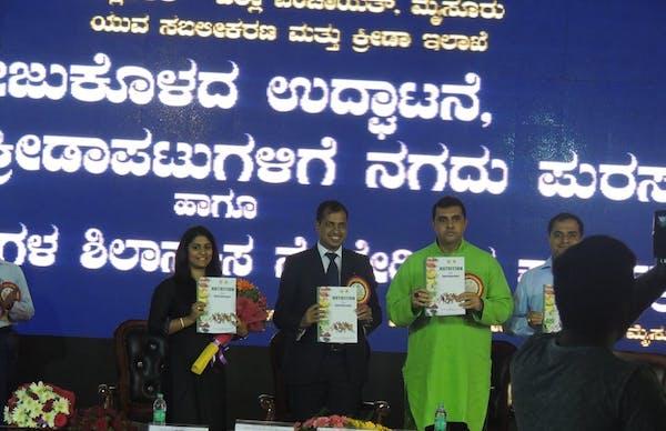 Foods & Nutrition Clinic by Dt. Silky Mahajan - Slide 4